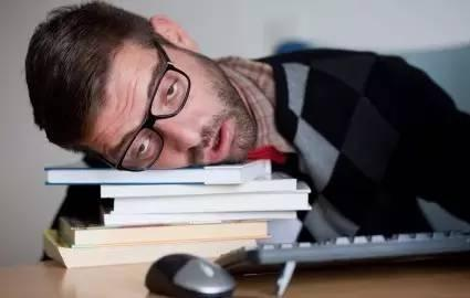 越是名校睡得越少